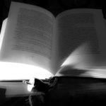 Libro con enchufe
