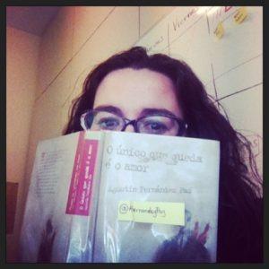 Catuxa Seoane con libro