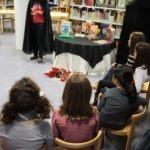 Actividad de magia con grupos escolares en la BPE de Zamora