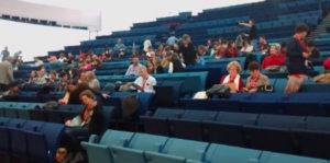 Los asistentes más madrugadores en el Palacio de Congresos de Badajoz