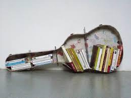 A cada músico, su libro: qué leen cuando están de gira