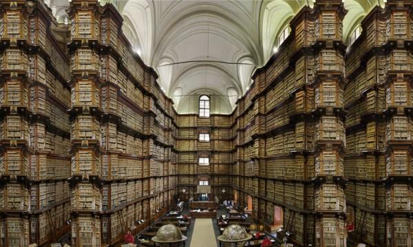 Una de las bibliotecas imaginarias