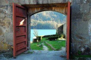 Puerta al campo