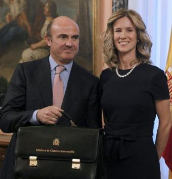 Traspaso de la cartera del Ministerio de Ciencia e Innovacción a Luis de Guindos / J. J.Guillén (Efe)