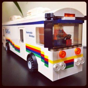 Réplica en Lego del Bibliobús de la Otawa Public Library