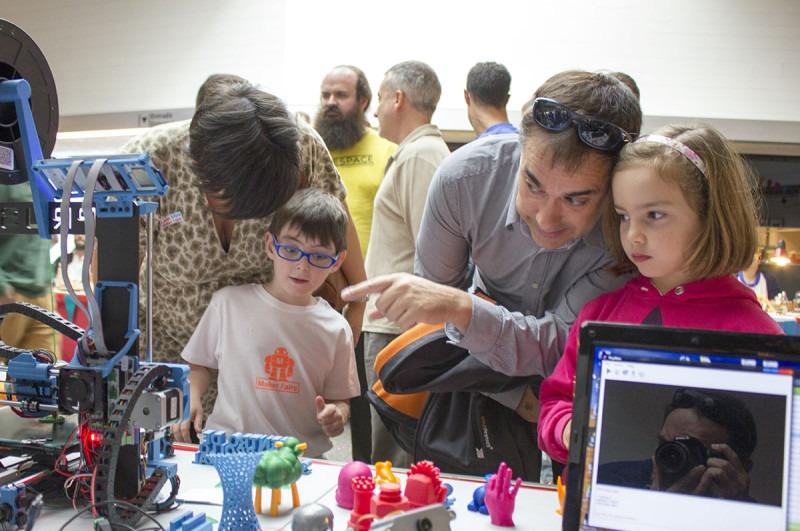 Niños y tecnología en el Mini Maker Faire de León