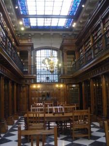 Estanterías biblioteca Menéndez Pelayo